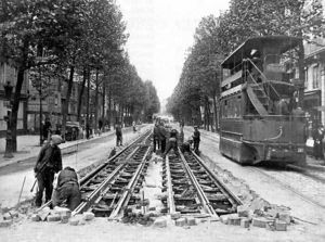 Tram_VoieTramwayCaniveau_AvAntin