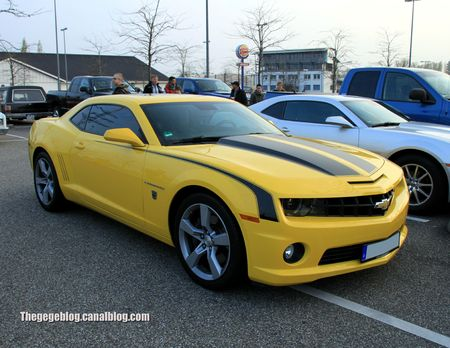 Chevrolet camaro SS de 2011 (Rencard Burger King avril 2012) 01