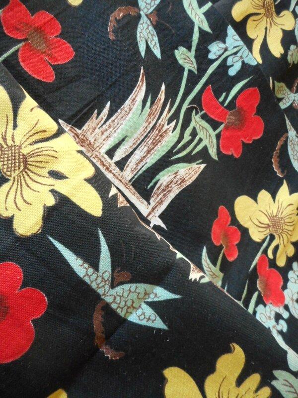 coupons tissu noir libellule (2)