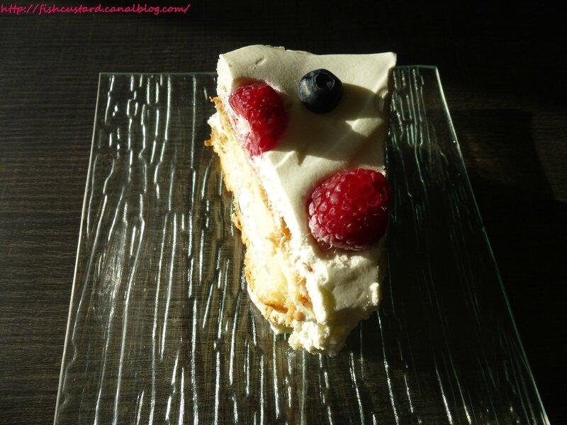Angel Food Cake aux fruits rouges et à la crème citronnée (42)