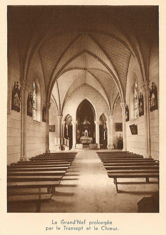 CPA Ronchamp Notre-Dame du Haut 1930 Nef Transet Coeur