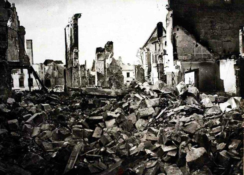Coucy ruines dans la ville