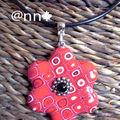 Collier FIMO fleur multi rouge (N)