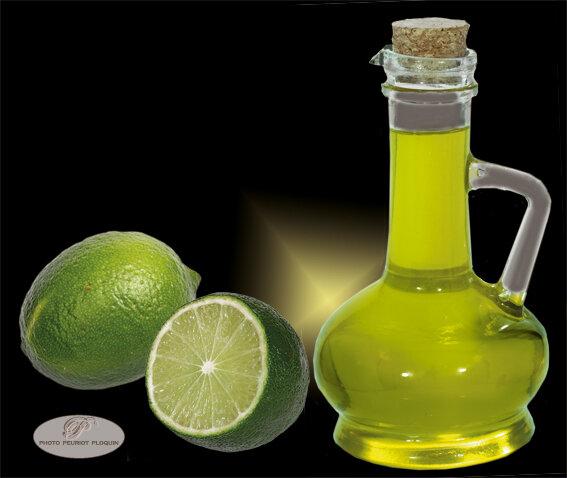 HUILE_D_OLIVE_du_Domaine_de_Maruejols_30_et_citrons_vertspsd