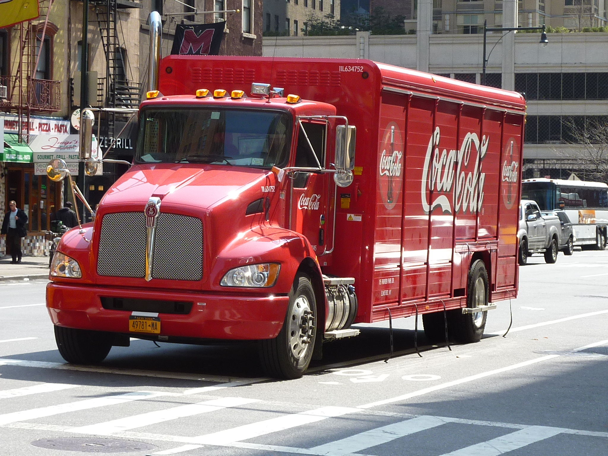 DAY 1 - Camion Coca-Cola