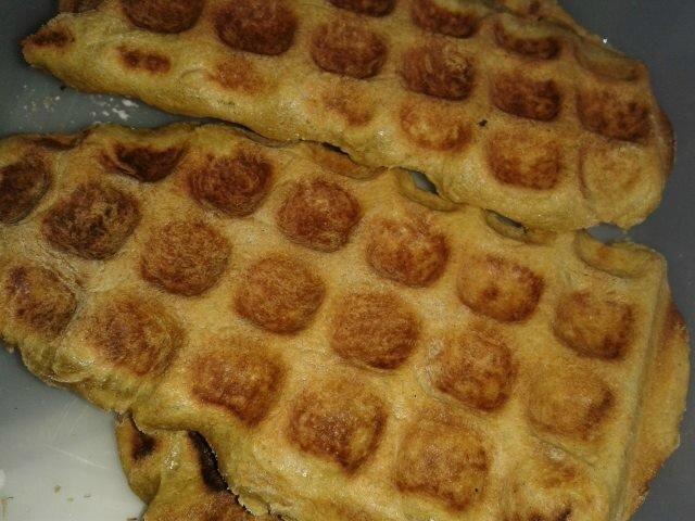 Gaufres lorraines sans blé, sans gluten sans blanc d'oeuf mais avec mirabelle.