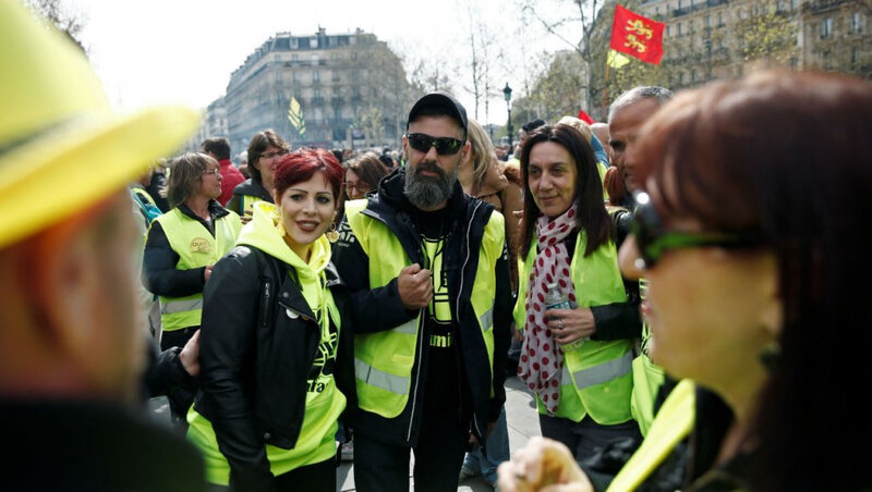 france-gilets-jaunes-acte21