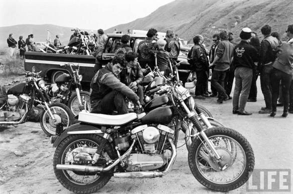 $_life-outlaw-motorcycle-scene-6