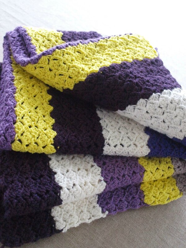 CROCHET BLANKET CHANTAL SABATIER