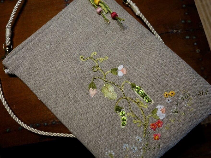 pochette -sac bandoulière aux petits pois ou comment retomber en enfance...