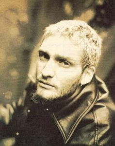 layne-staley-alice-in-chains-cool-sepia-mad-season-memories