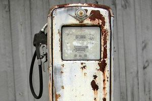 rusty-gas-pump (2)