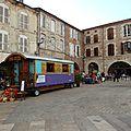 roulotte devant arcades villeneuve