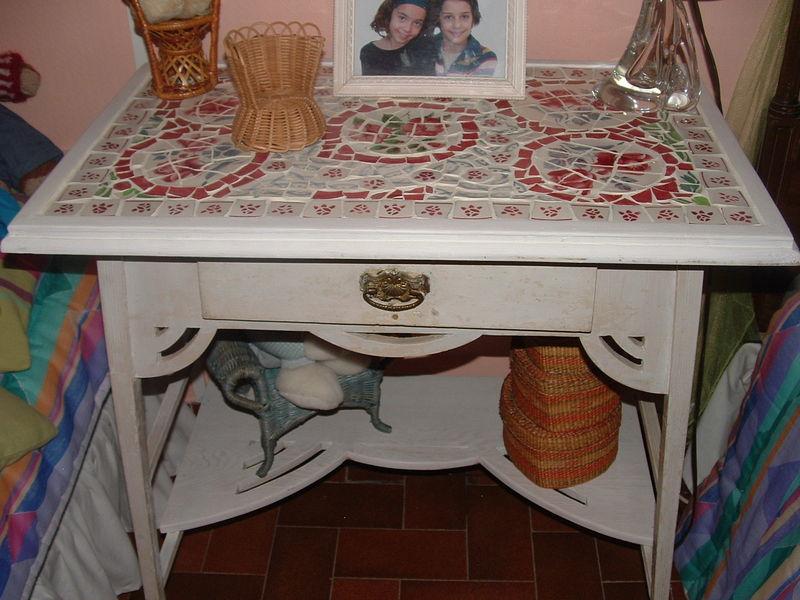 table toilette 1900 mosaique assiettes