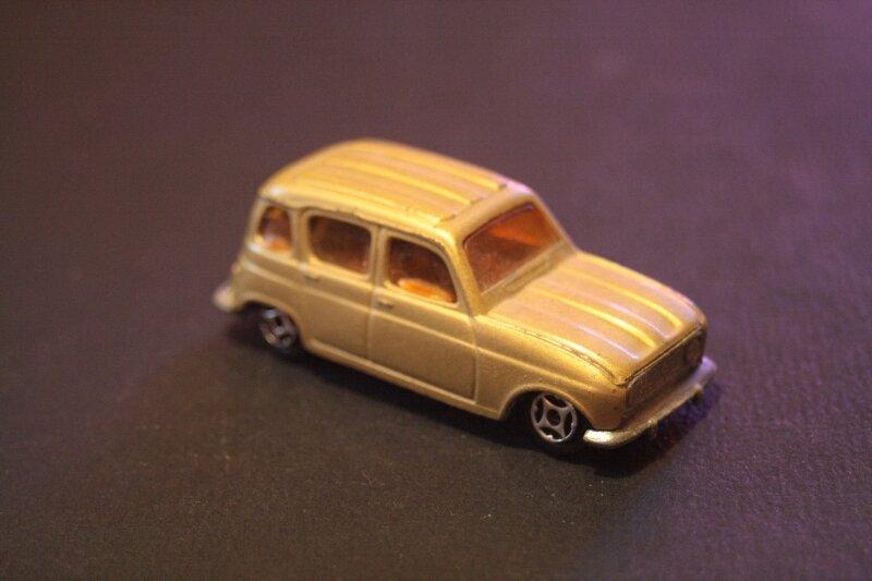 409_Renault 4L_02