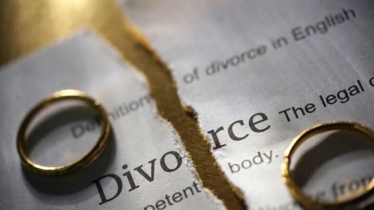 EVITER LE DIVORCE RITUEL MAGIQUE TRÈS PUISSANT DE LA MAGIE BLANCHE DAAH DJOSSA