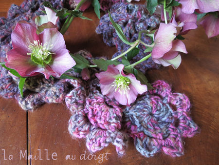 scarf_flowers_crochet_maille_au_doigt_2