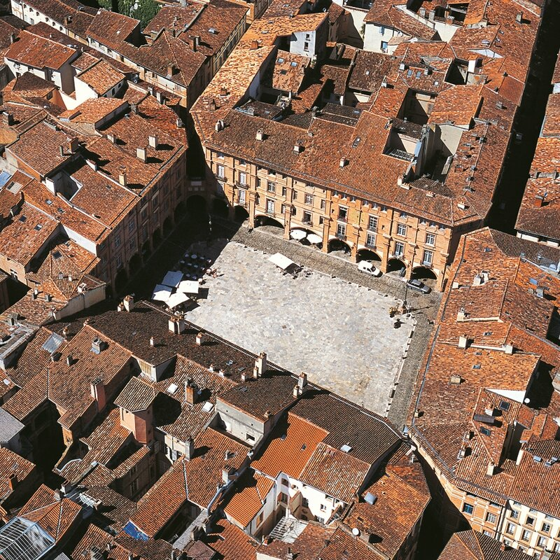 MONTAUBAN_place_nationale