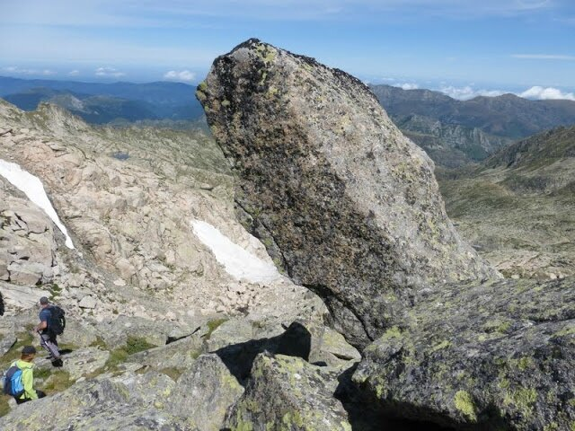 la roche dressée que l'on a vu à la montée