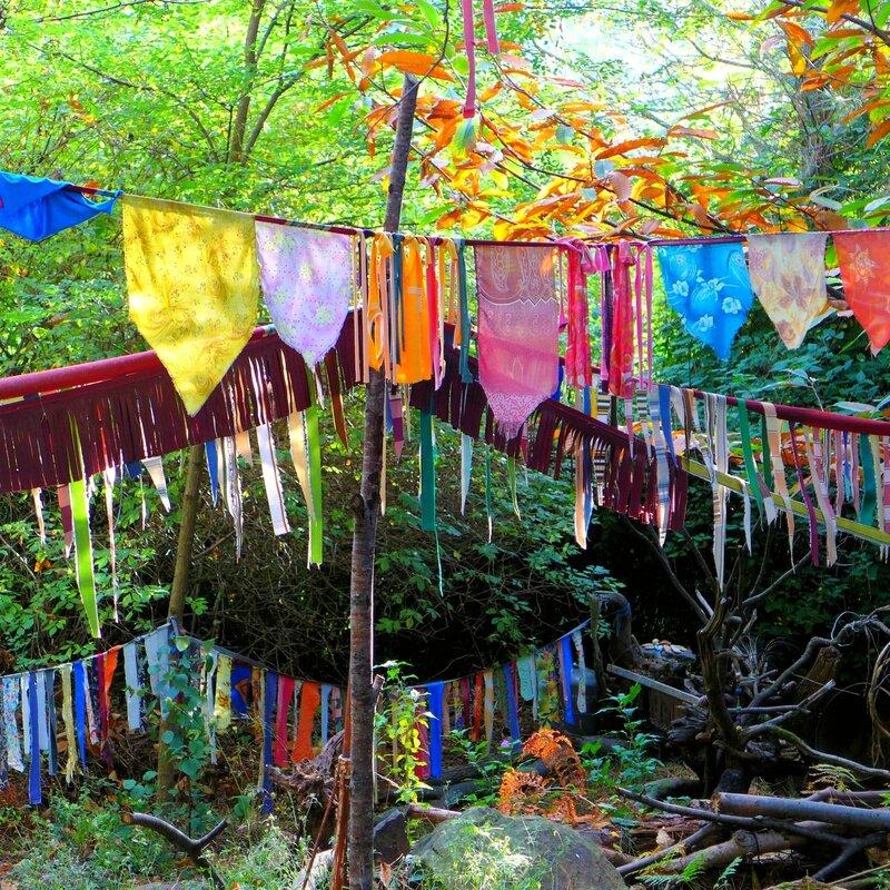 pont de drapeaux yurtao