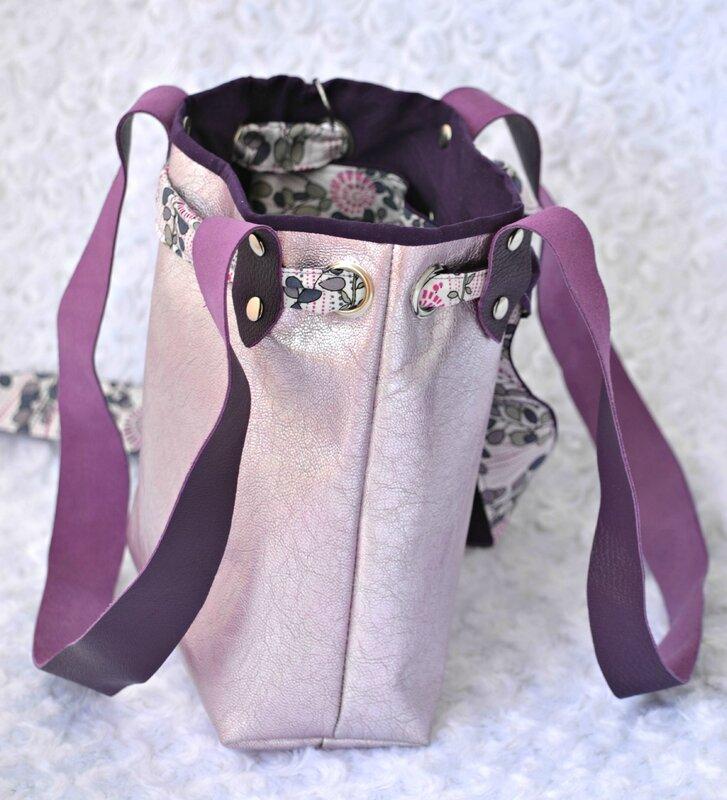 mini sac femme en cuir rose métal
