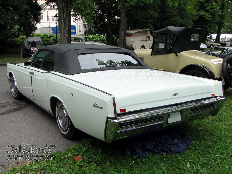 lincoln-continental-convertible-sedan-1967-02
