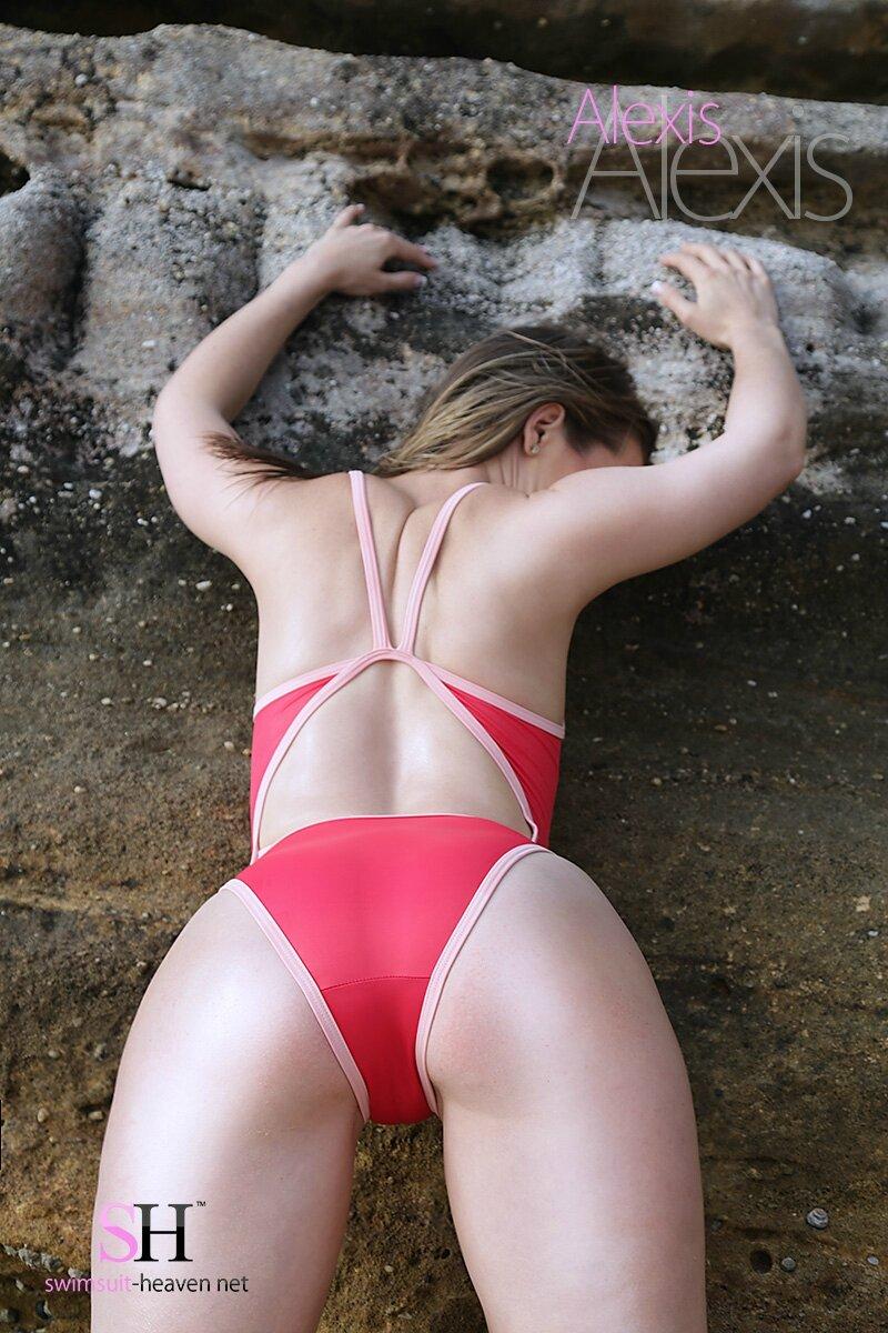 Alexis in Realise N-033 SP1 for Swimsuit-heaven.net