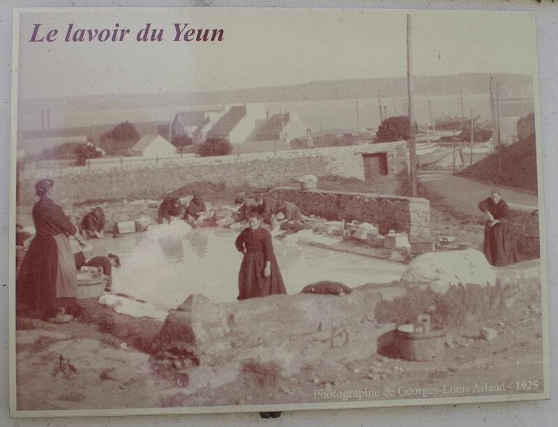 && Camaret lavoir du Yeun (2)