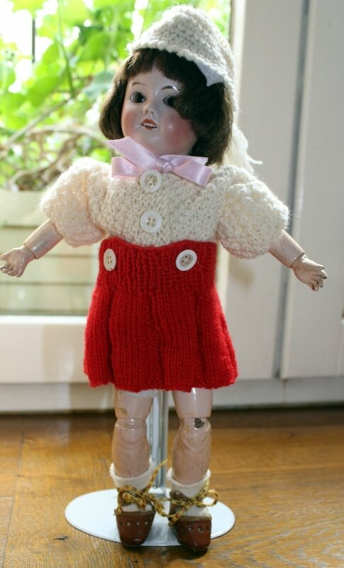 je tricote pour ma poupée bleuette