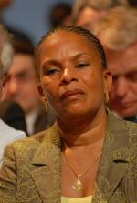 Christiane_Taubira_-_Royal_&_Zapatero's_meeting_in_Toulouse_for_the_2007_French_presidential_election_0529_2007-04-19