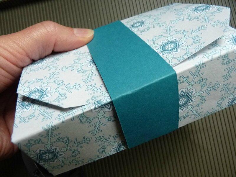 no cut folded gift box 035