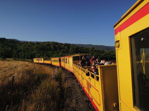 Ti train jaune 065