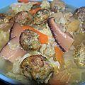 Une soupe populaire à la fortune du pot: soupe parfumée aux boulettes de porc épicées pour la soubenn noz!