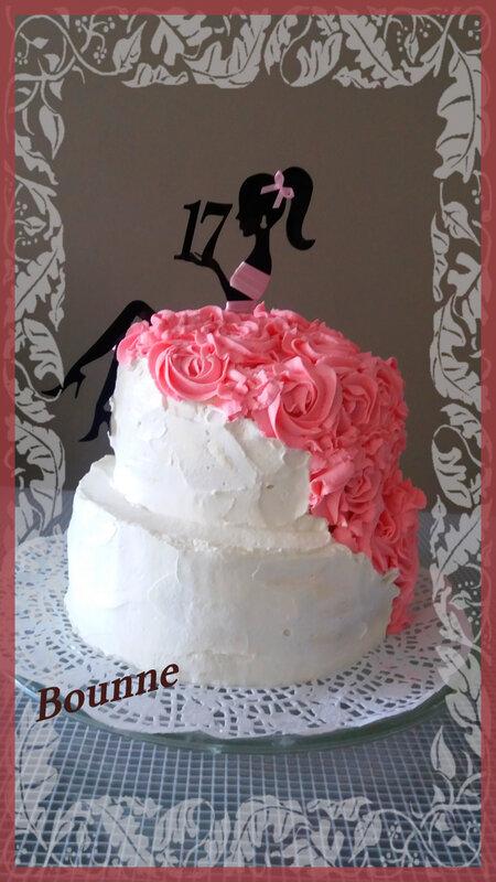 gâteau figurine robe de femme