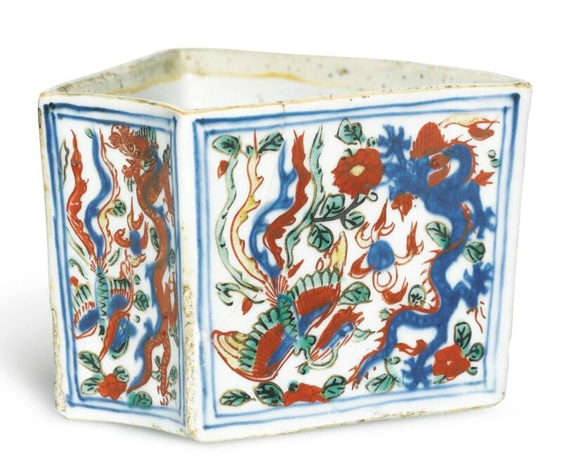 A wucai 'dragon and phoenix' fan-shaped box, mark and period of Wanli