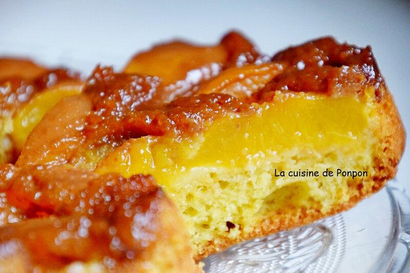 gateau renversé aux pêches caramélisées au caramel beurre salé Raffolé (18)