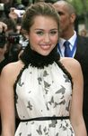 Hannah_Montana_Movie_Paris_Premiere_ikgzImPWNEUl