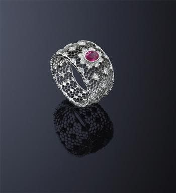 A_ruby_and_diamond_ring__by_Buccellati