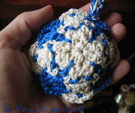 azulejos_pincushion_crochet_2