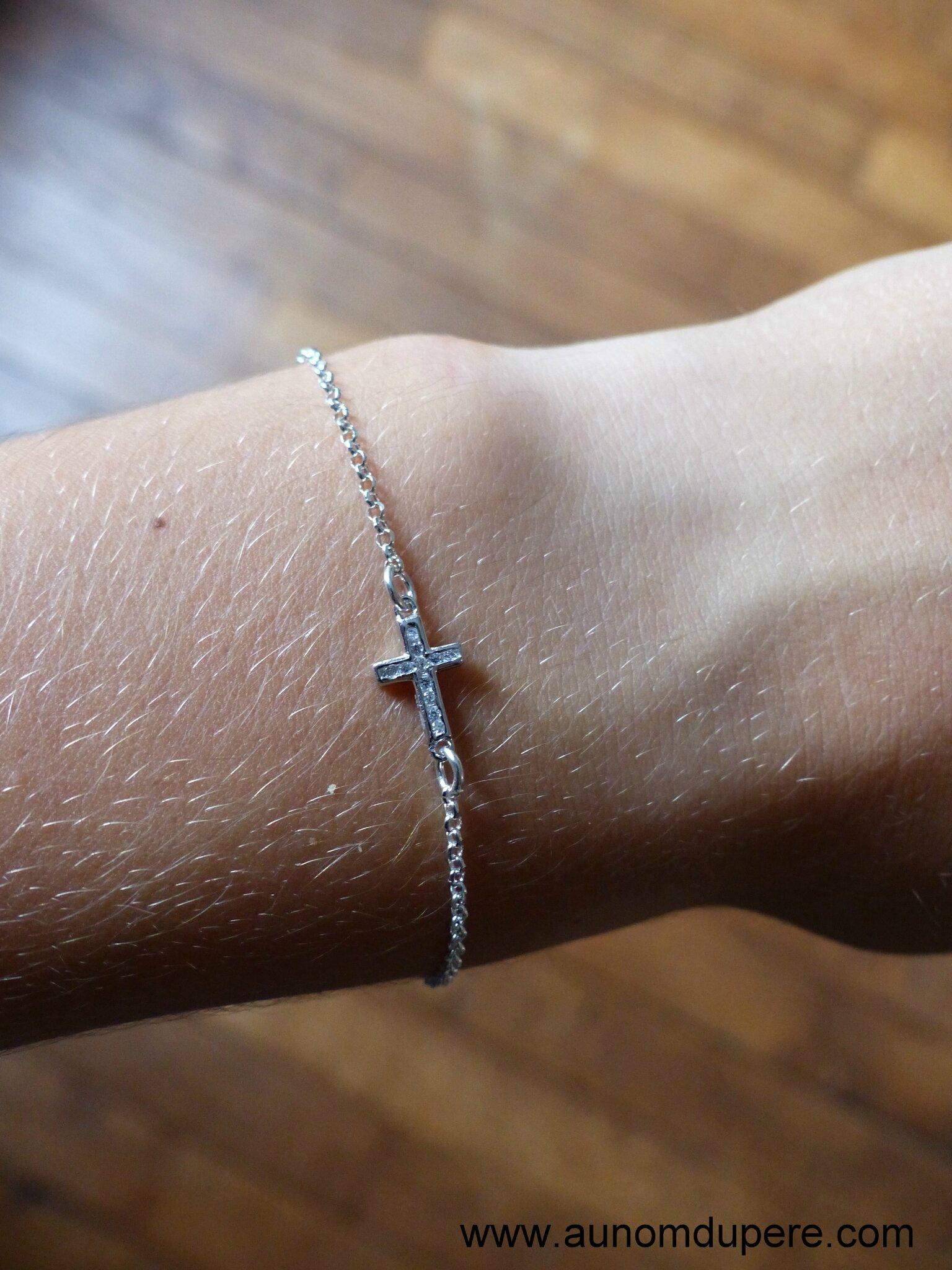 Bracelet mini Croix strassée (sur chaîne argent massif fine) - 34 €