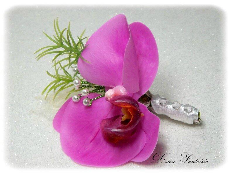 Boutonnière orchidée fuchsia