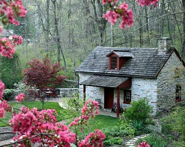 Olde-Creek-Cottage-in-PA-2
