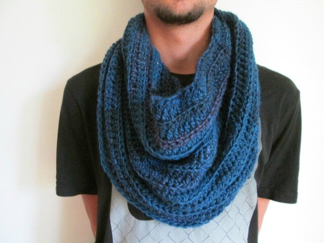 Snood Mr Mars (3)