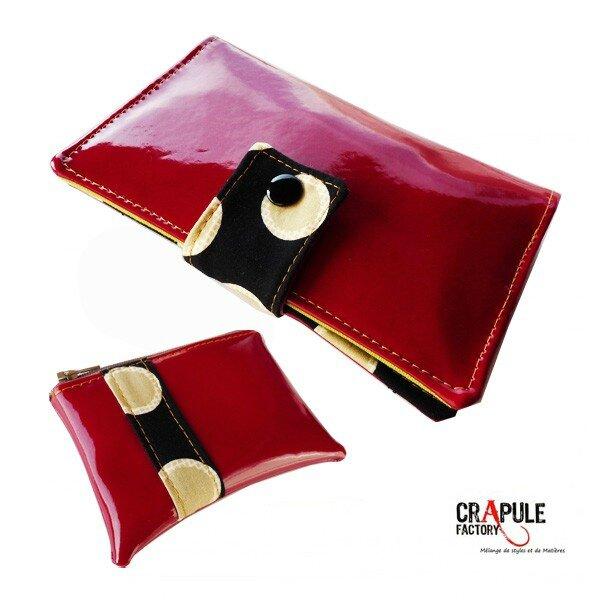 portefeuille-marcius-vinyle-rouge-brillant-retro-noir-a-pastille-beige-chic-