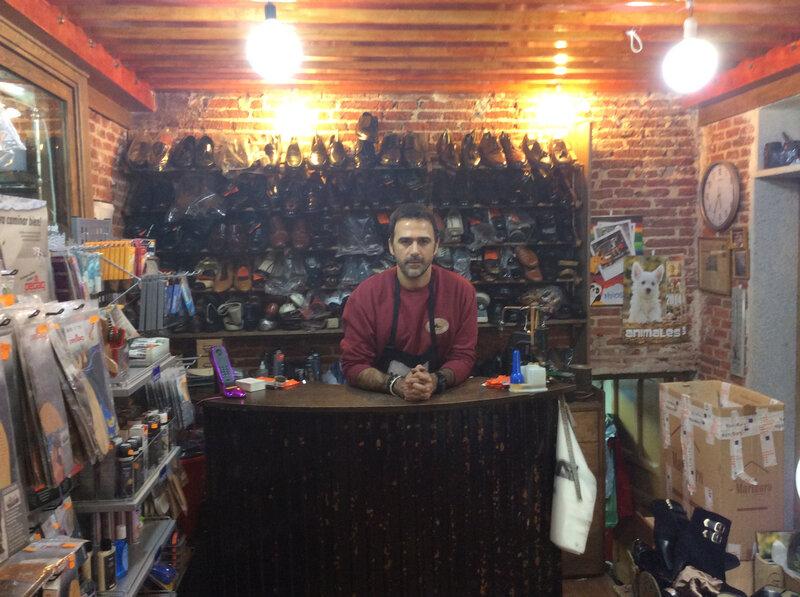 Luis-mostrador