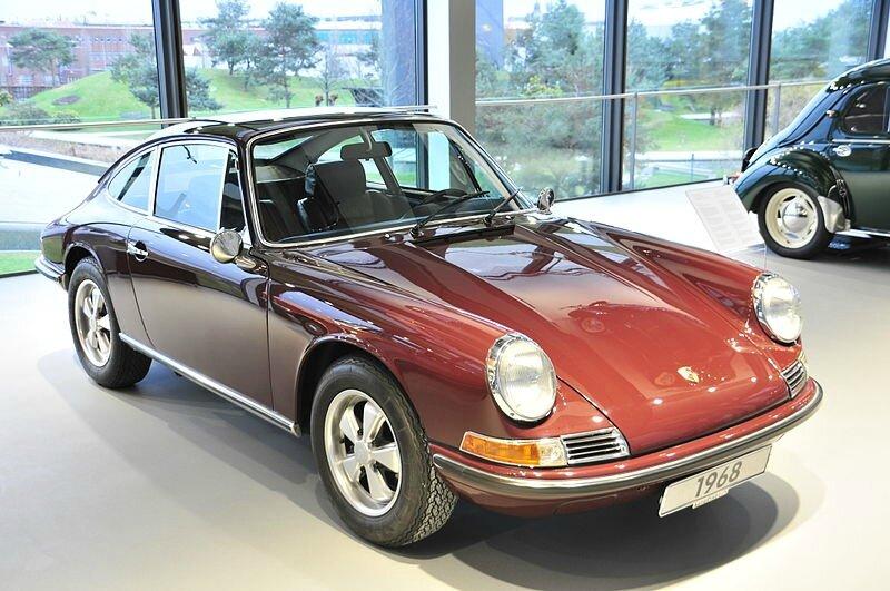 800px-12-01-03-911S-Ralf Rolestschek