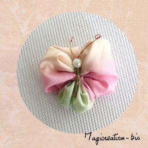 broche papillon rose-vert