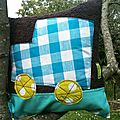 COUSSIN CARRE CAMION 1