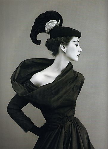 Dovima in Balenciaga by Richard Avedon.