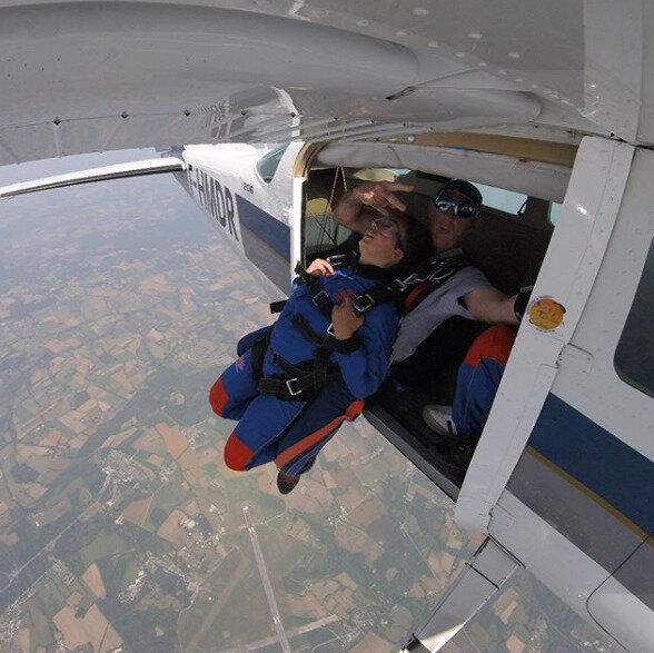 parachute 8